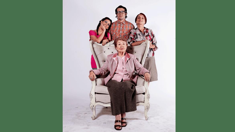 Celebra a mamá con la comedia «Tu madre, La Concho» vía streaming